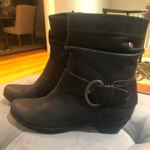 Pikolinos Brujas Black Leather Shoe Boots